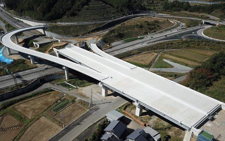 中部縦貫高山IC橋下り床版工事